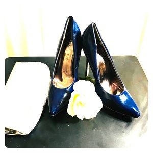 🔥Hot Dark blue patent heels w/  silver base heel